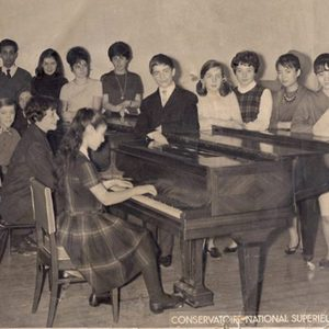 CONSERVATOIRE OF PARIS – CLASS OF LUCETTE DESCAVES AT THE CENTER THE FRENCH COMPOSER OLIVIER GREIF